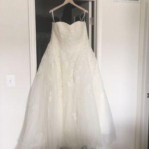 Breathtaking Pronovias Couture Wedding Gown